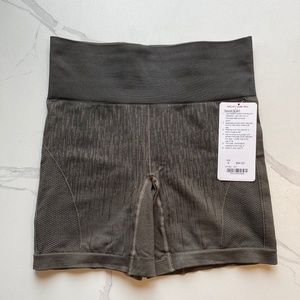 Lululemon Sculpt Short Deep Camo Sz US6
